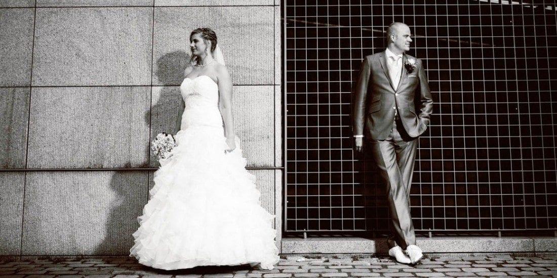 Stoere trouwfoto bij Hotel New York