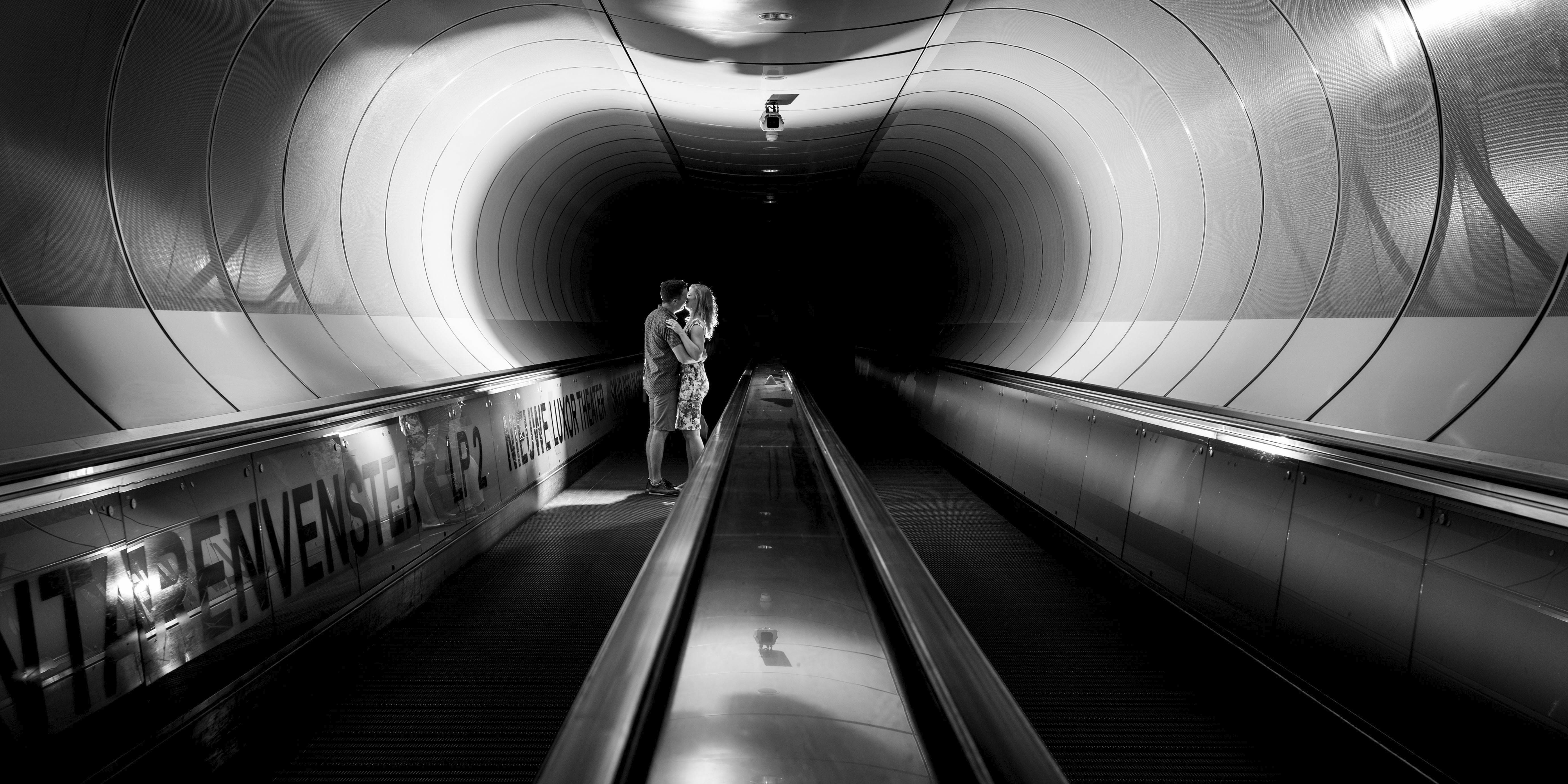 Loveshoot-metro-Rotterdam-TrouwenmetThomas