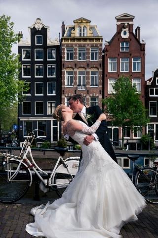 Urban-Trouwfotografie-TrouwenmetThomas-trouwen-in-de-stad-05