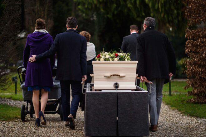 Begrafenis tijdens de uitvaart