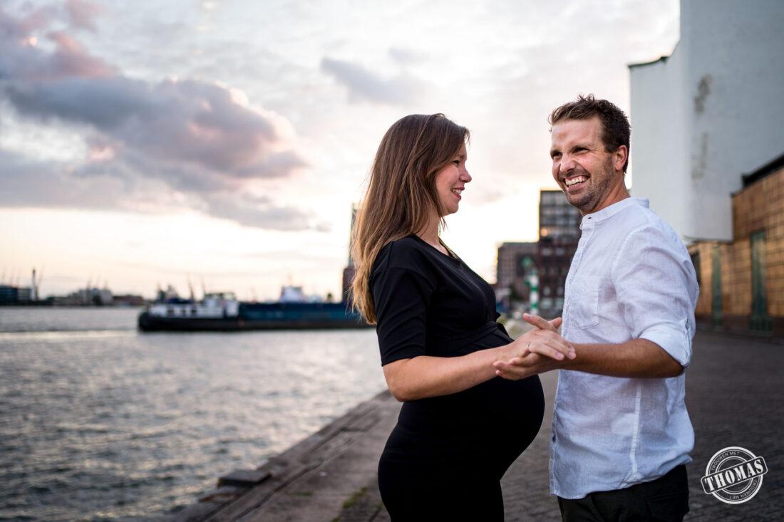 Spontane fotoshoot zwanger