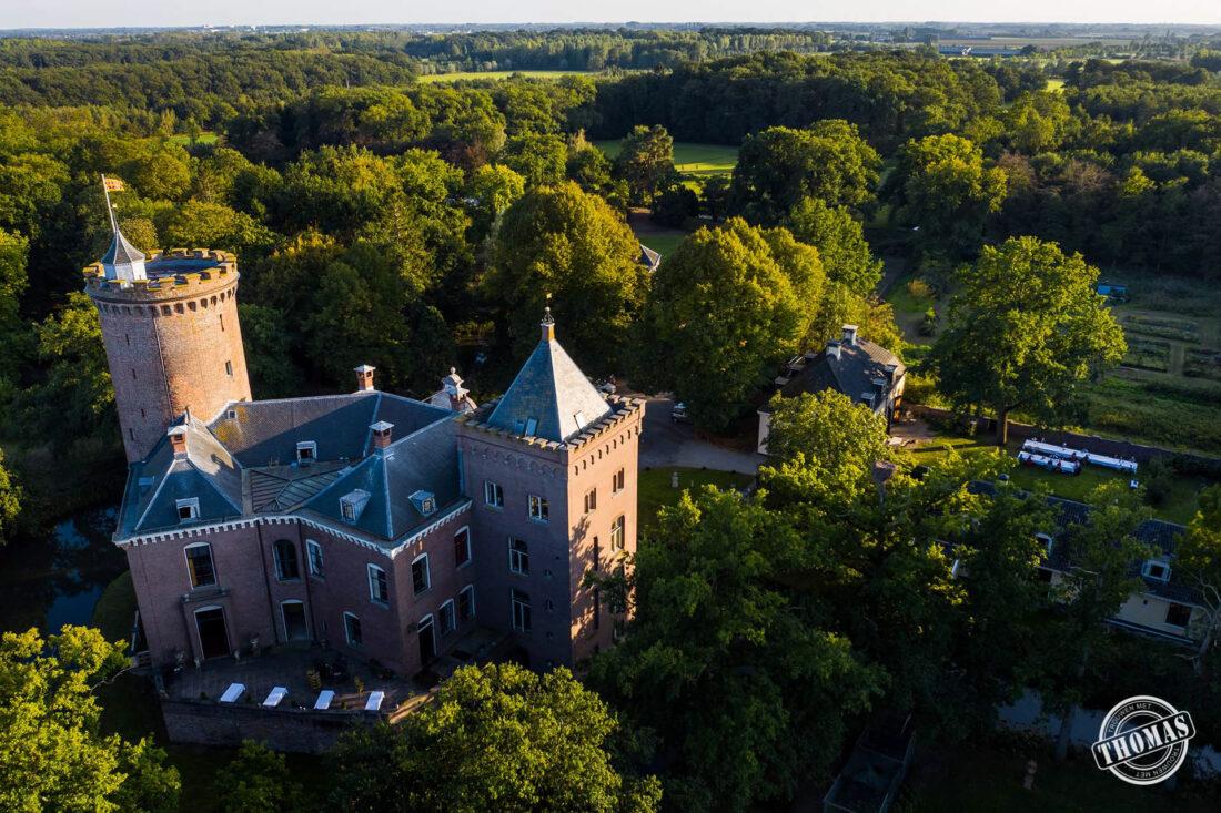 Dronefoto van trouwlocatie Kasteel