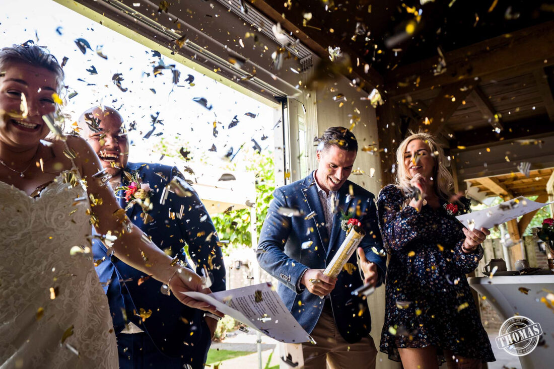 Confetti kanon tijdens bruiloft borrel