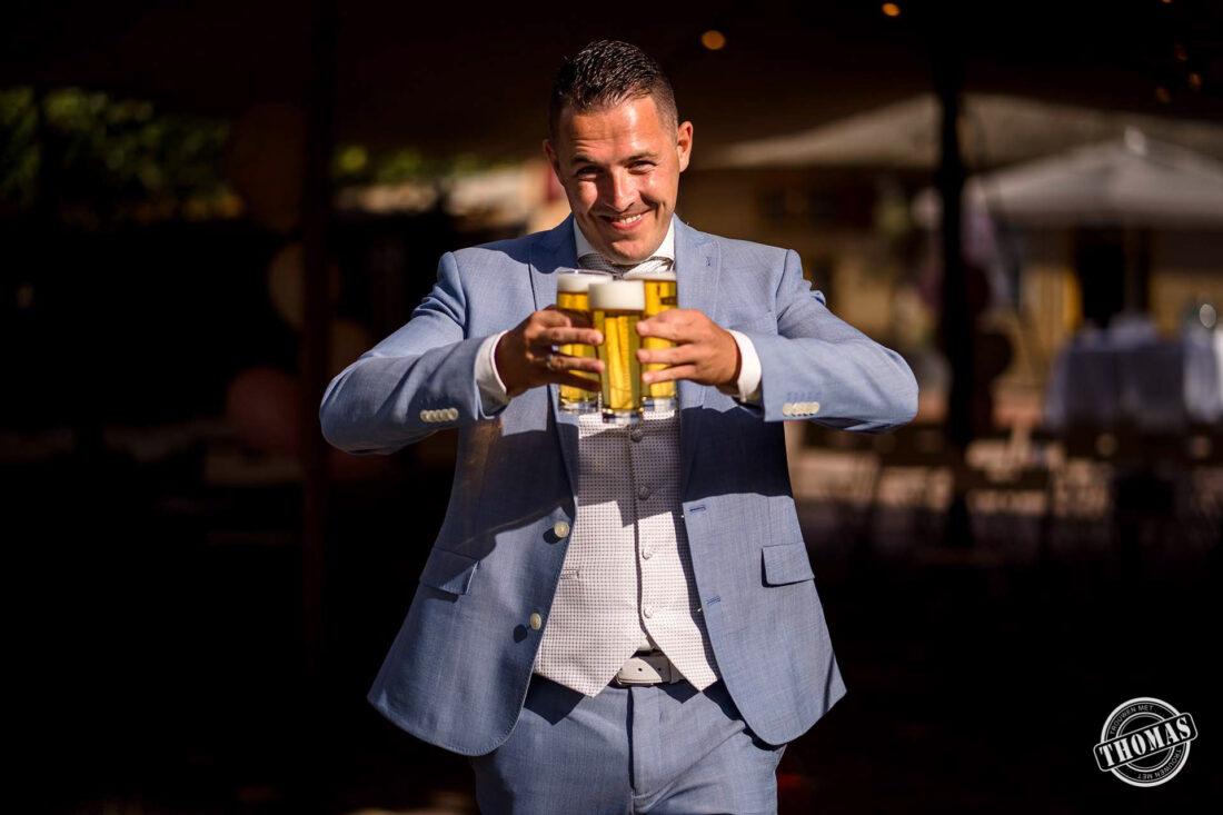 Bruidegom met bier