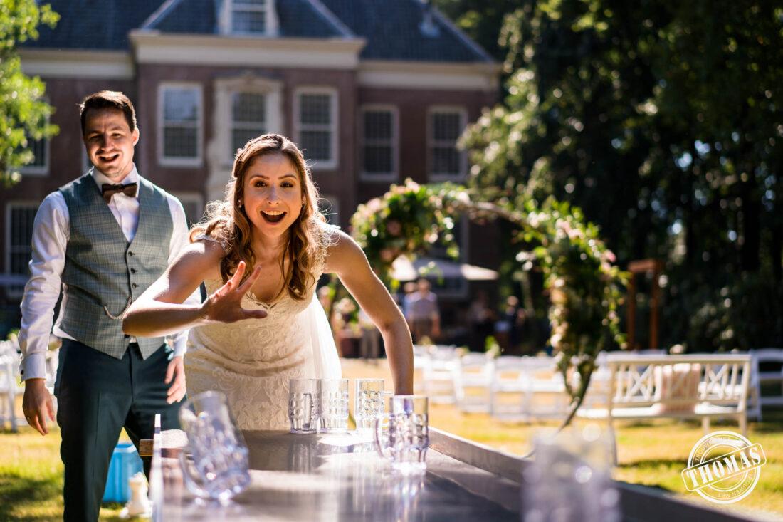 Hollandse spelletjes spelen op de bruiloft